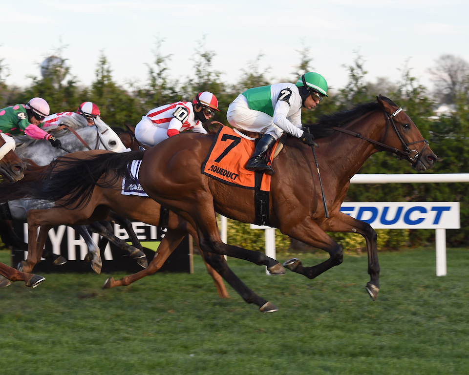 Spring Quality wins the Red Smith